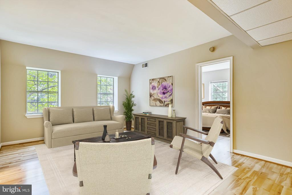 This is a VIRTUALLY STAGED photo: Living Room - 2007 KEY BLVD #12592, ARLINGTON