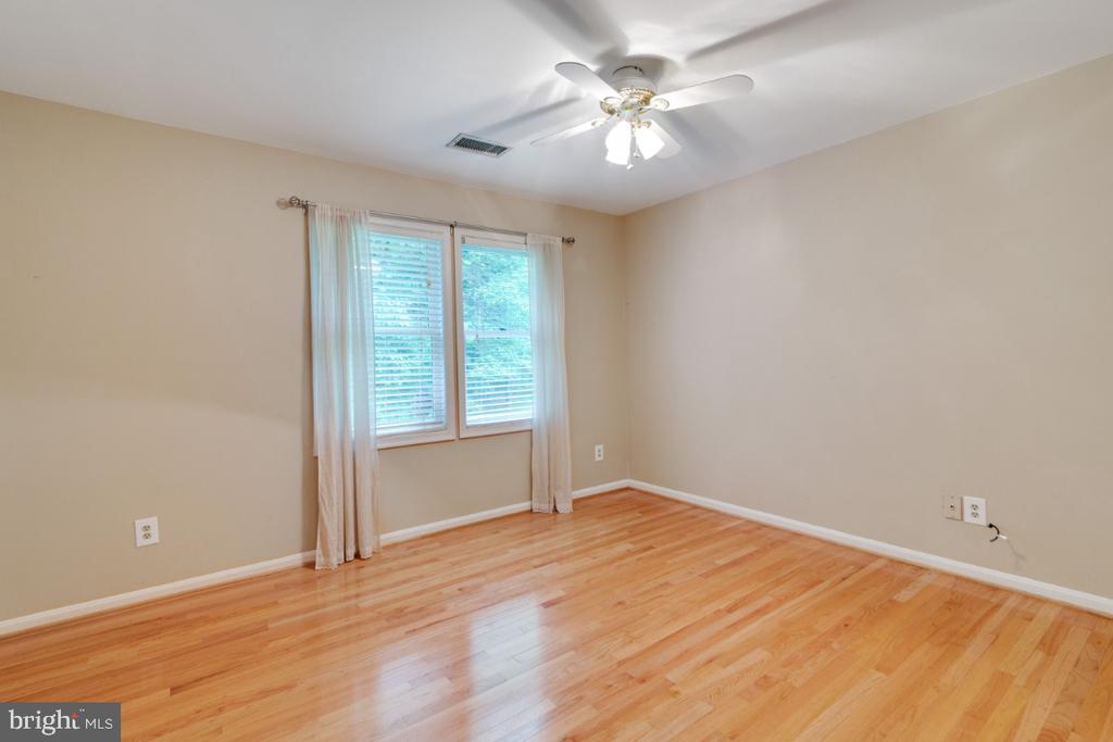 secondary bedroom 2 - huge - 13613 BETHEL RD, MANASSAS