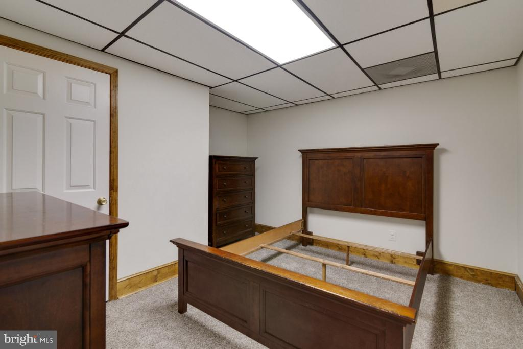 Office, craft, exercise, or storage, you decide - 13613 BETHEL RD, MANASSAS