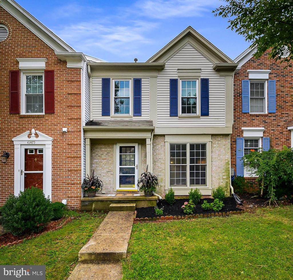 Welcome Home - Fresh new landscaping - 43473 PLANTATION TER, ASHBURN