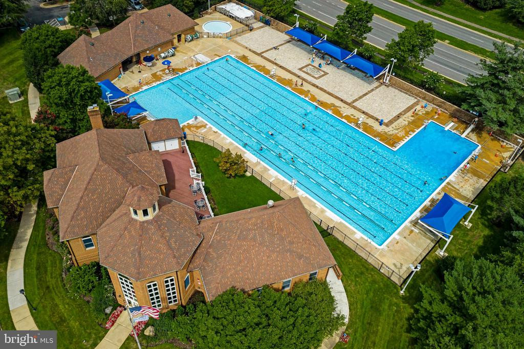 3 Community Pools to enjoy - 43473 PLANTATION TER, ASHBURN
