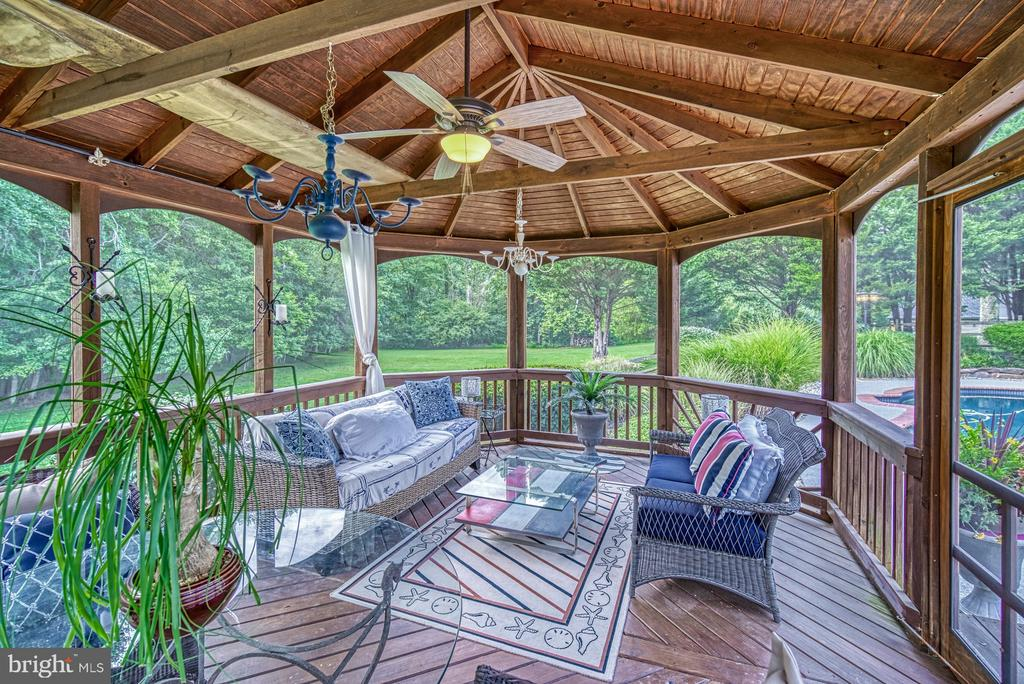 Screened Gazebo for Relaxing - 7421 DUNQUIN CT, CLIFTON