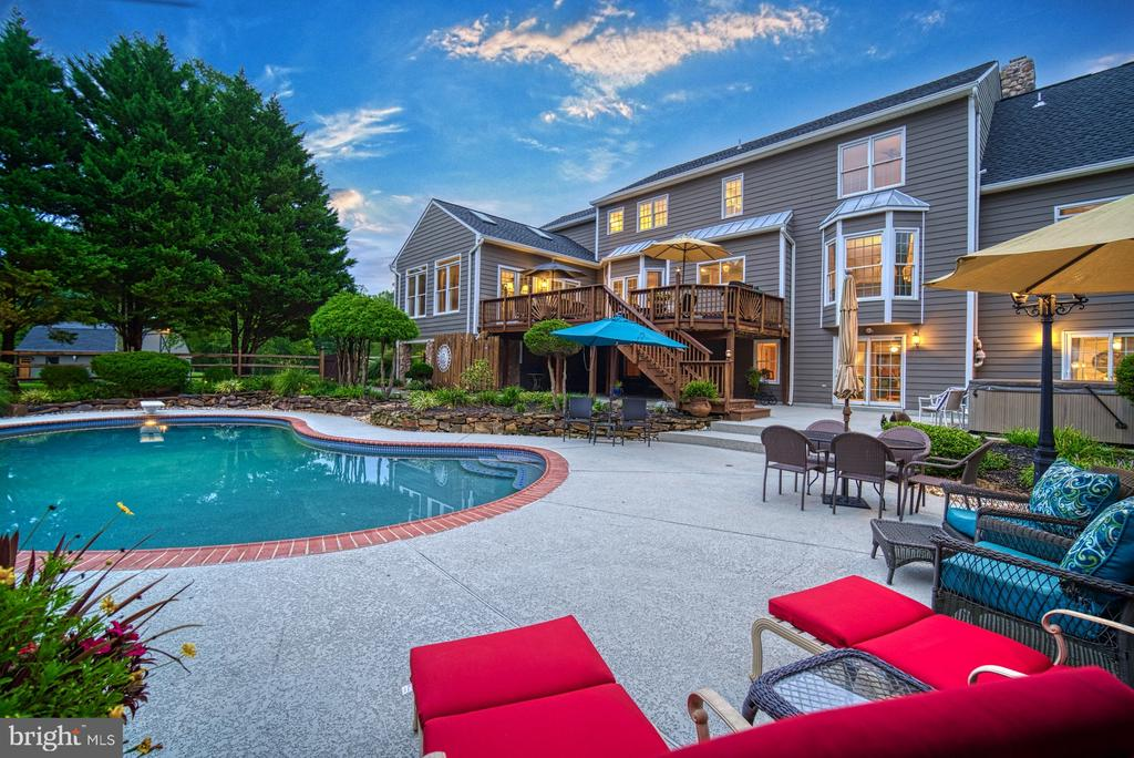 Great for Evening Entertaining - 7421 DUNQUIN CT, CLIFTON