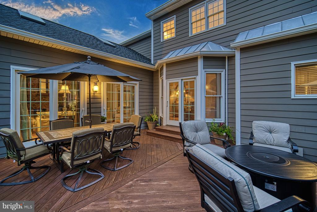 Outdoor Entertaining - 7421 DUNQUIN CT, CLIFTON