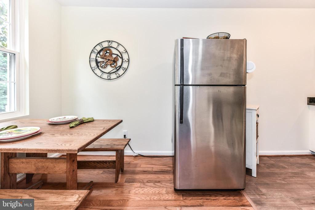 Hardwoods and tile in the kitchen - 1903 KEY BLVD #11545, ARLINGTON