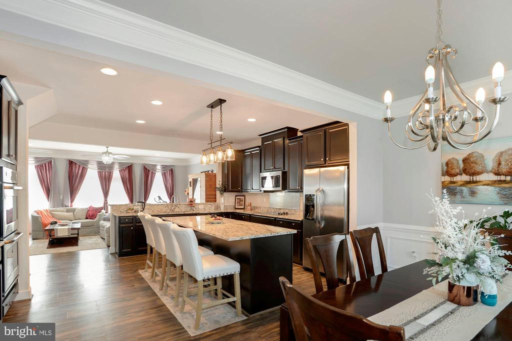 with the dinning room on one side - 10698 VIEWMONT LN, MANASSAS