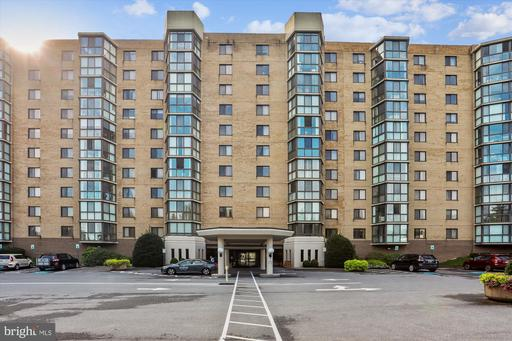 3310 N Leisure World Blvd #207, Silver Spring, MD 20906