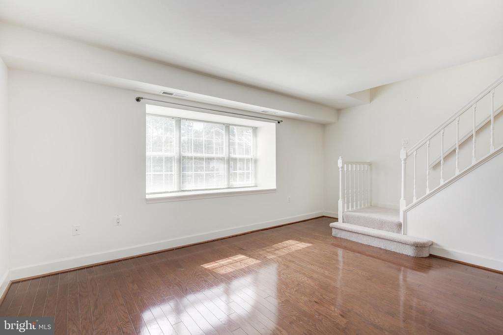 Living Room View 2 - 3601 NW 38TH ST NW #302, WASHINGTON
