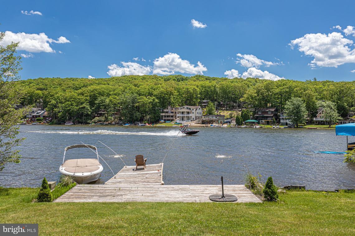 Single Family Homes for Sale at Lake Harmony, Pennsylvania 18624 United States