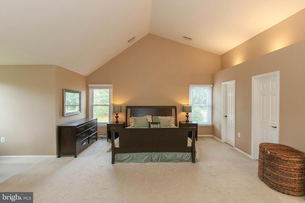 Master bedroom - 21211 EDGEWOOD CT, STERLING