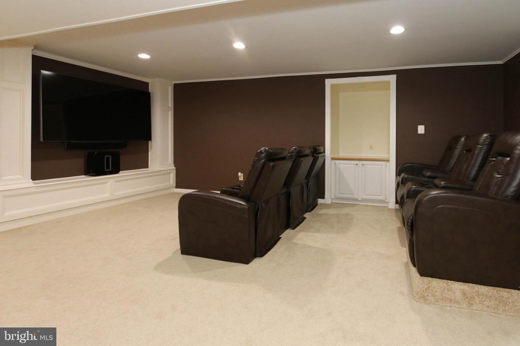 Basement media room - 21211 EDGEWOOD CT, STERLING