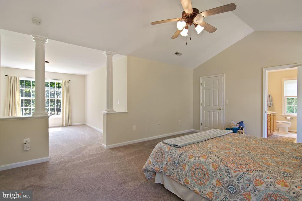 Sitting room off master bedroom - 30831 PORTOBAGO TRL, PORT ROYAL