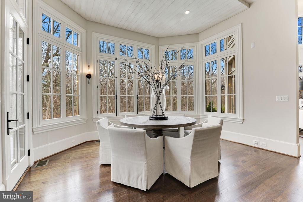 Breakfast Room - 906 TURKEY RUN RD, MCLEAN