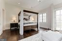 Upper Level Master Suite - 906 TURKEY RUN RD, MCLEAN