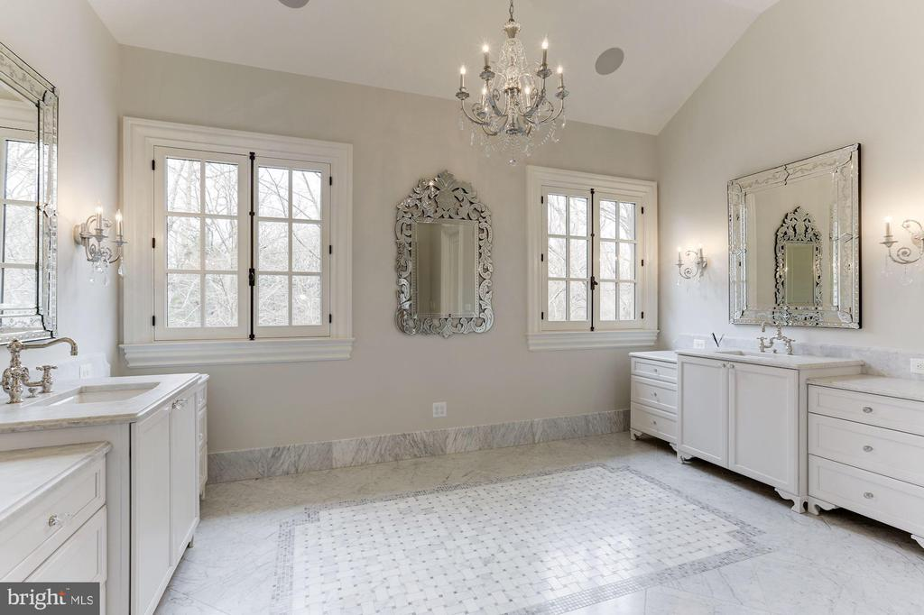 Master Bath - 906 TURKEY RUN RD, MCLEAN