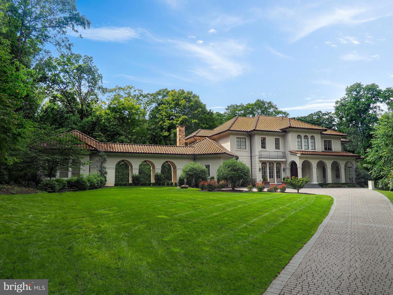 Single Family Homes per Vendita alle ore McLean, Virginia 22101 Stati Uniti