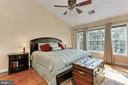 Master Bedroom with 13' vaulted ceilings - 3441 25TH CT S, ARLINGTON