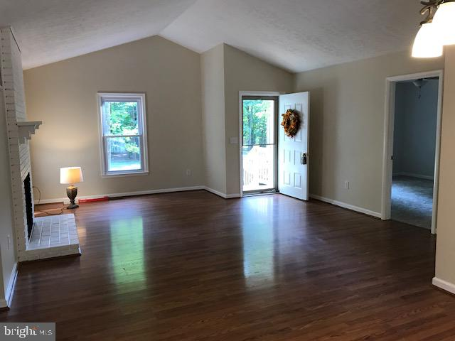Family Room / Dining room combo - 203 STRATFORD CIR, LOCUST GROVE