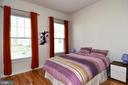Rear Bedroom with attached full bathroom - 2522 SWEET CLOVER CT, DUMFRIES