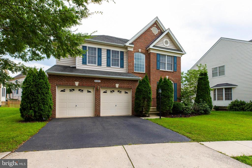 - 42845 ESTHER CT, CHANTILLY