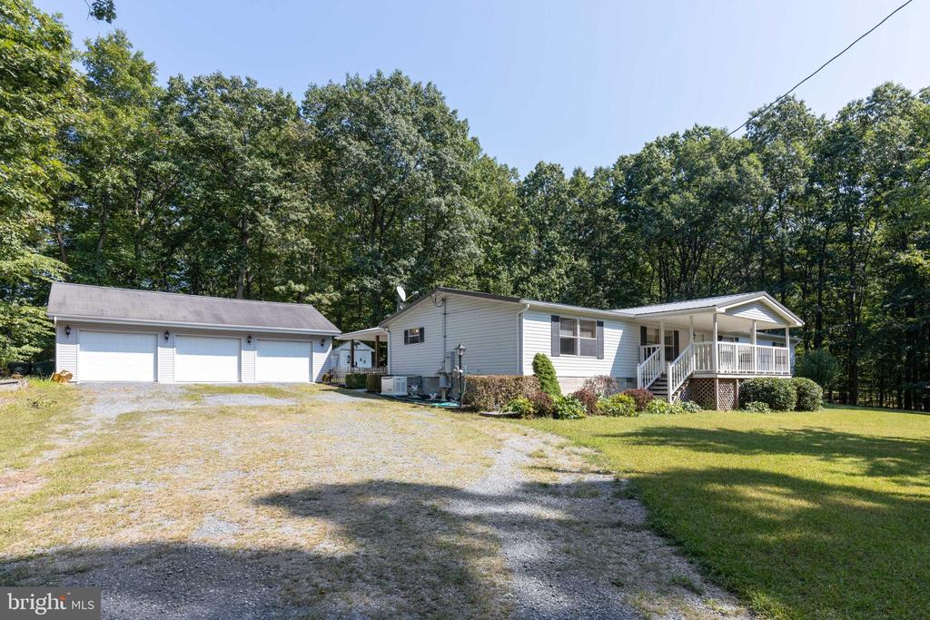 3 car detached garage and ample parking - 500 ROLLING RIDGE LN, WINCHESTER