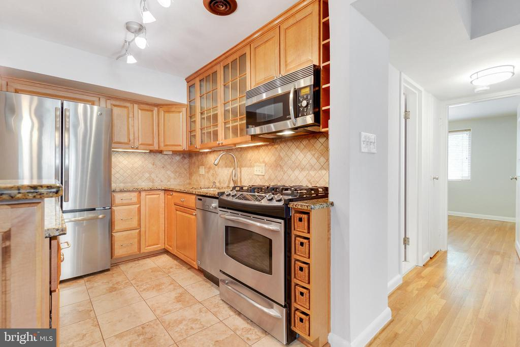 Stainless Steel Appliances - 2016 N ADAMS ST #206, ARLINGTON