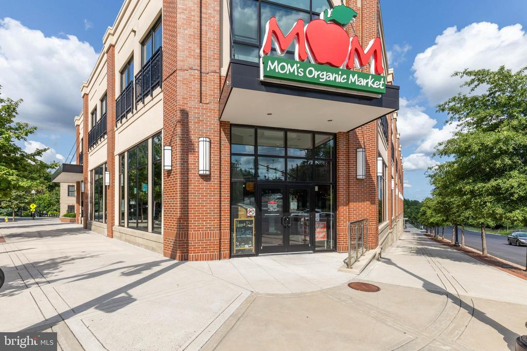 Walk to the Market - 2016 N ADAMS ST #206, ARLINGTON