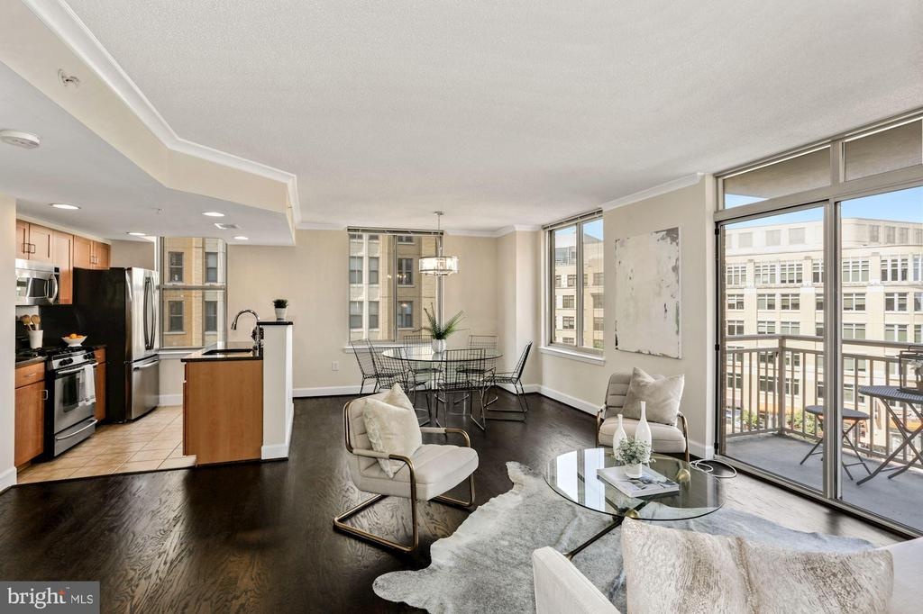 Open concept living space with abundant light. - 1205 N GARFIELD ST #608, ARLINGTON