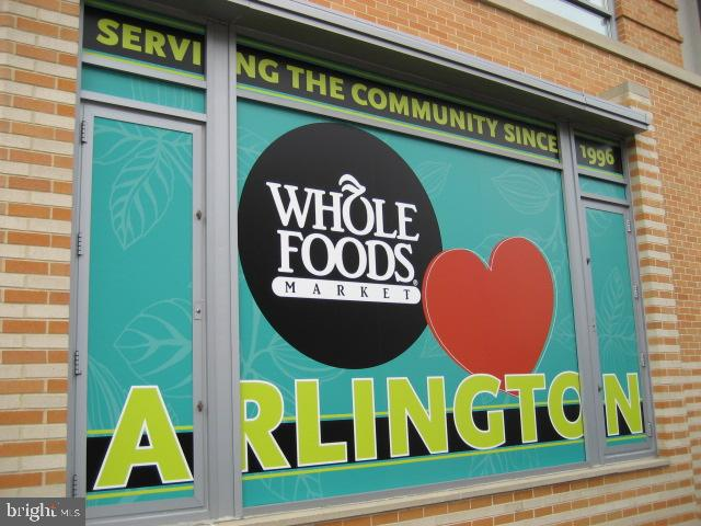 There you'll find top favorites like Whole Foods.. - 1801 KEY BLVD #10-506, ARLINGTON