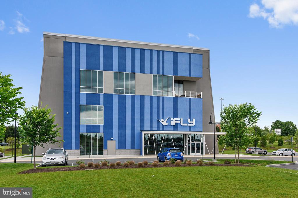 iFLY  INDOOR SKYDIVING-FUN FOR ALL AGES - 44533 NEPONSET ST, ASHBURN