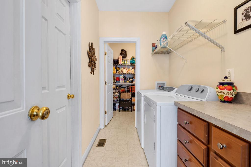 Great Laundry Room & Pantry Right Off Kitchen - 14079 MERLOT LN, PURCELLVILLE