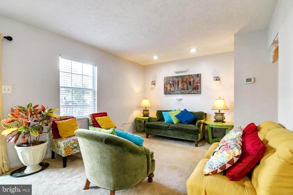 Living room - 8510 GENERAL WAY, MANASSAS PARK