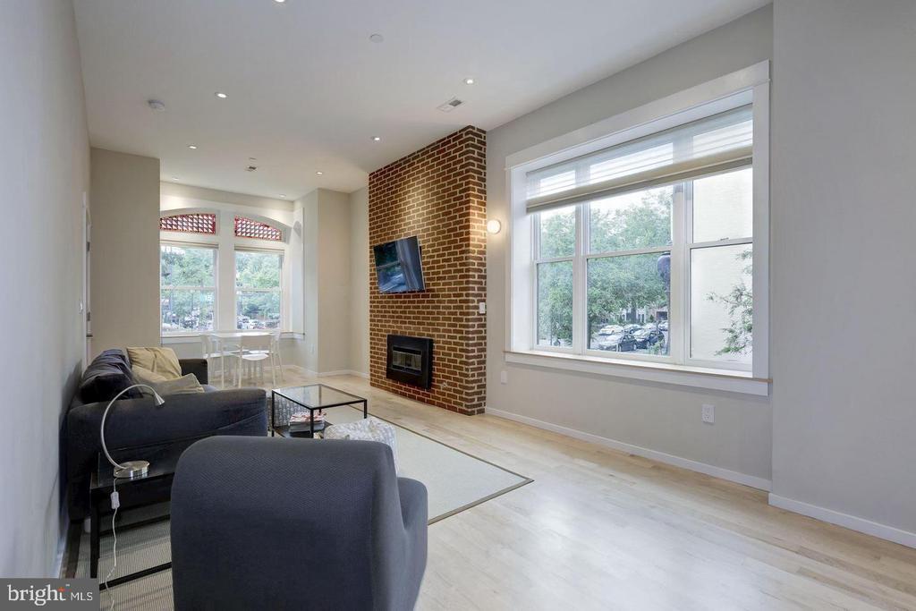 Unit 2 Living Room - 1620 15TH ST NW, WASHINGTON