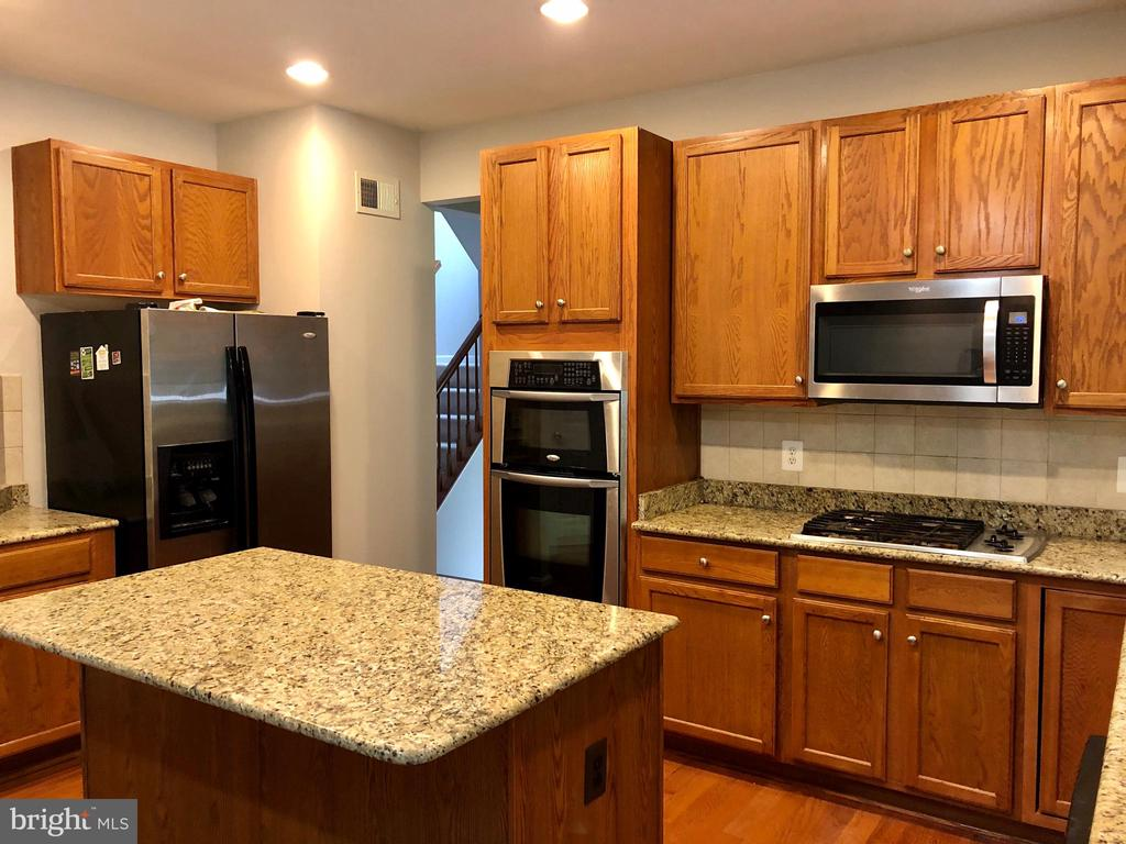 Stainless Steel Appliances - 76 BRENTSMILL DR, STAFFORD