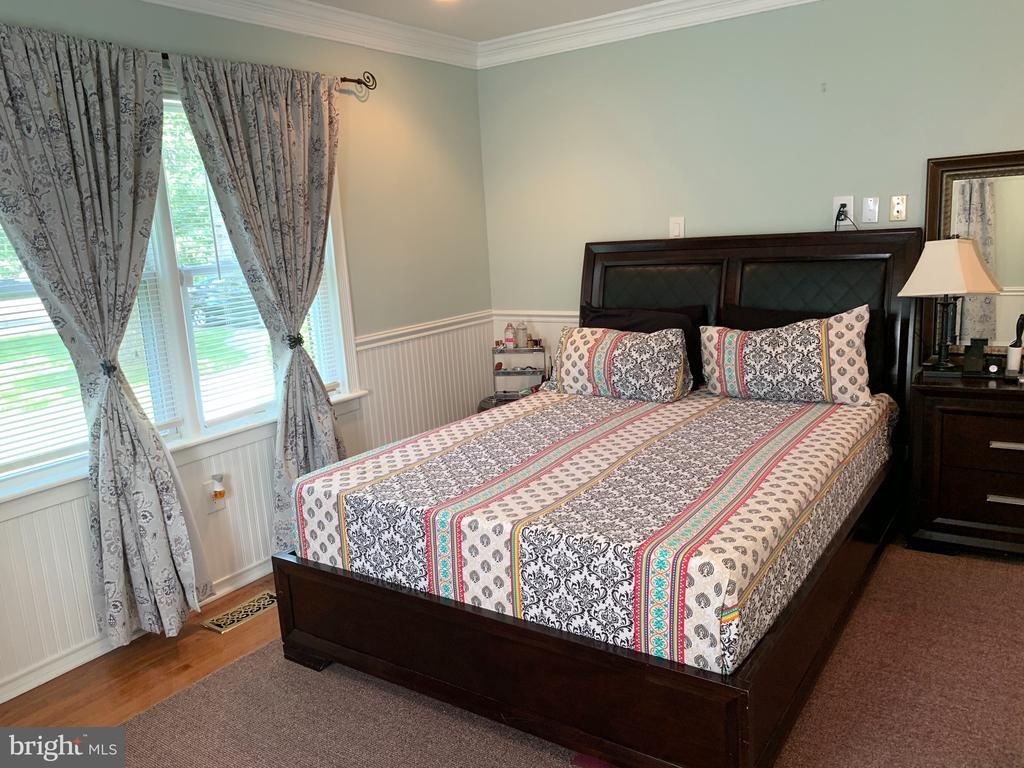 Main Level Bedroom 1 - 21084 POTOMAC VIEW RD, STERLING