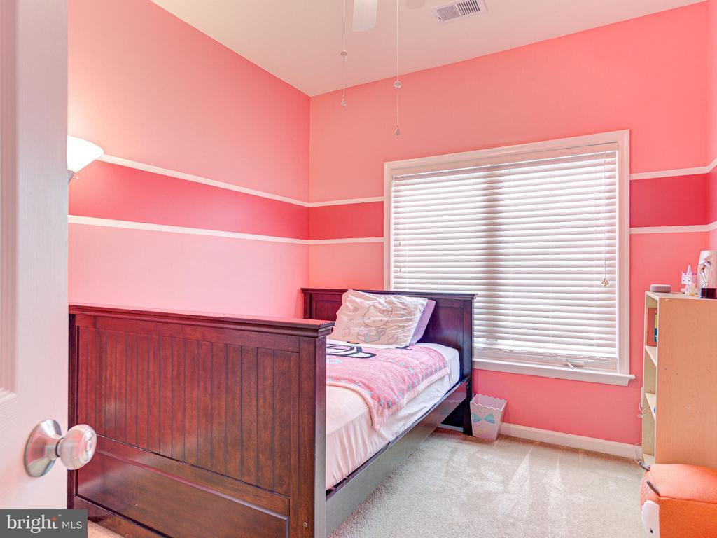 Third bedroom - 43592 PURPLE ASTER TER, LEESBURG
