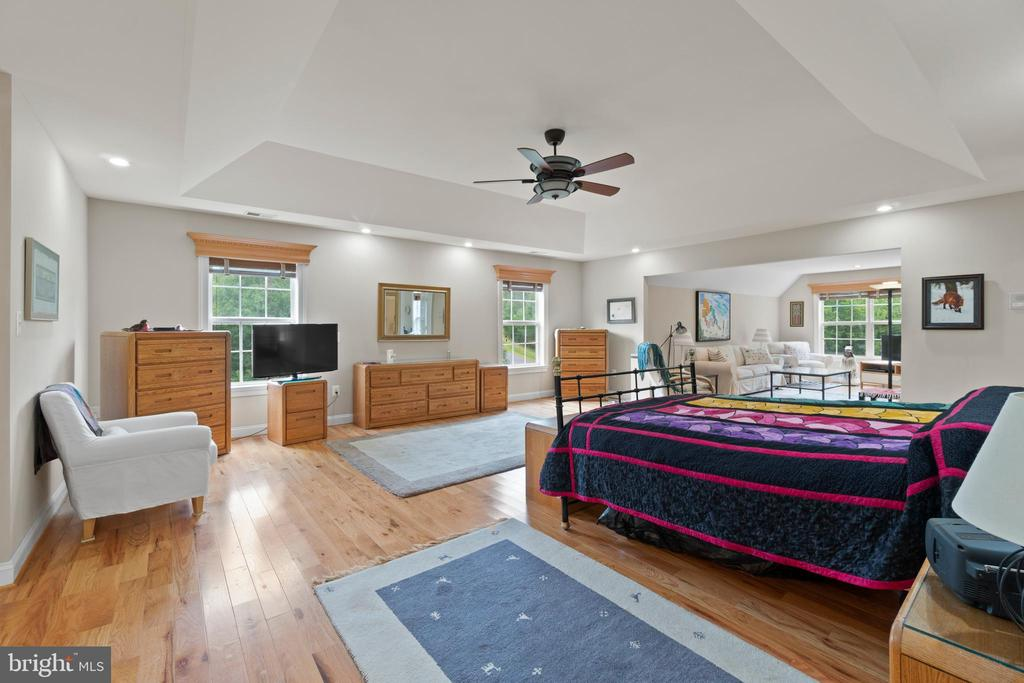 UPPER MASTER BEDROOM SUITE - 108 HIGH RIDGE DR, STAFFORD