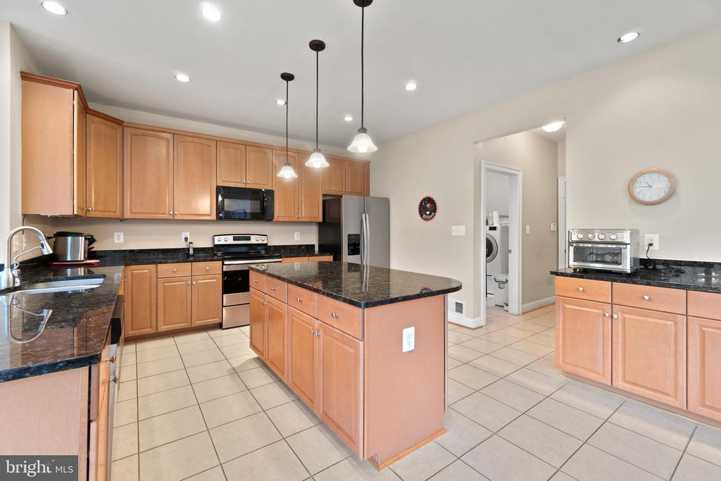GRANITE TOPS - 108 HIGH RIDGE DR, STAFFORD