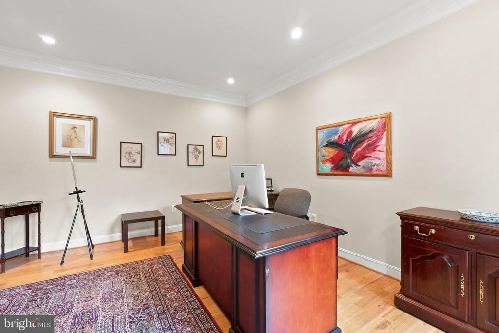 MAIN LEVEL SUITE PRIVATE OFFICE - 108 HIGH RIDGE DR, STAFFORD