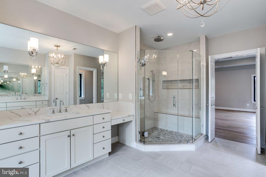 Single Family Homes için Satış at Falls Church, Virginia 22046 Amerika Birleşik Devletleri