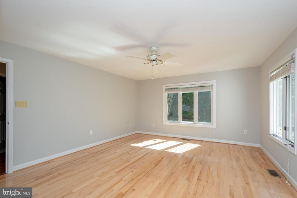Primary Bedroom/Master upgraded with Maple Floors - 12984 PINTAIL RD, WOODBRIDGE
