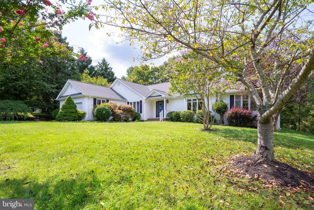 Entire Lot Professionally Landscaped - 12984 PINTAIL RD, WOODBRIDGE