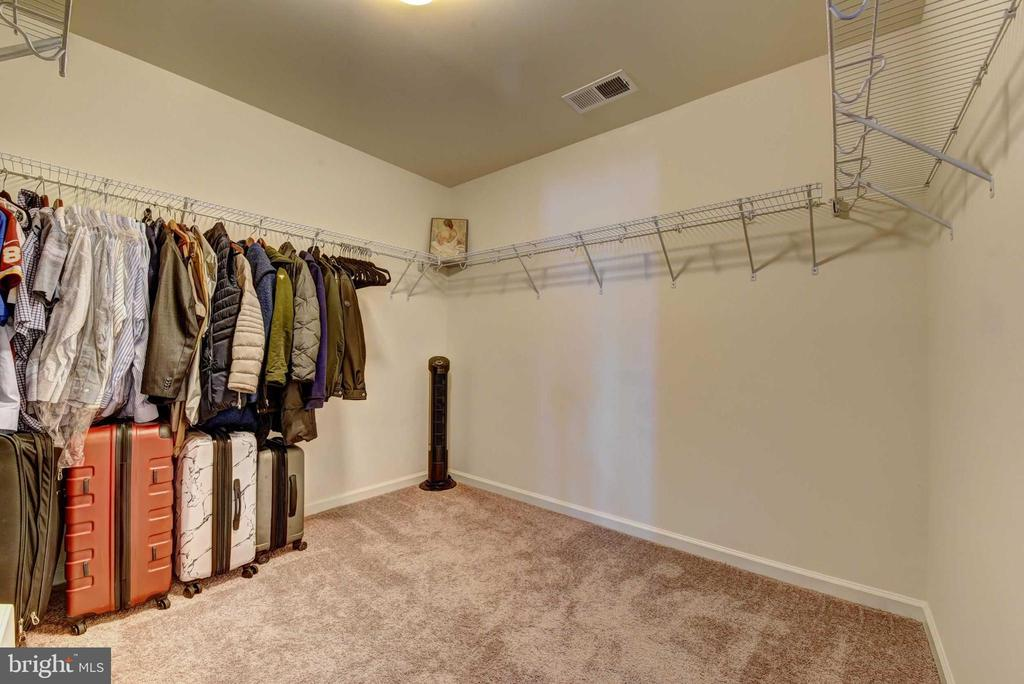 Walk in closet, Master Bed - 42340 ABNEY WOOD DR, CHANTILLY