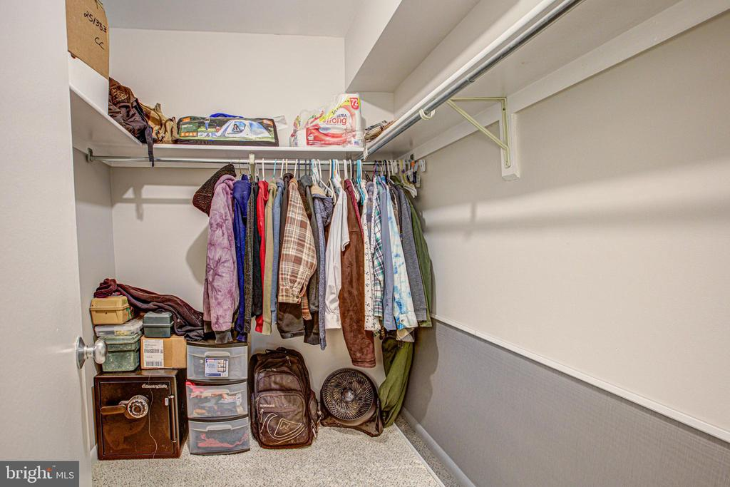 Main Bedroom with a walk in closet - 10340 REIN COMMONS CT #D, BURKE