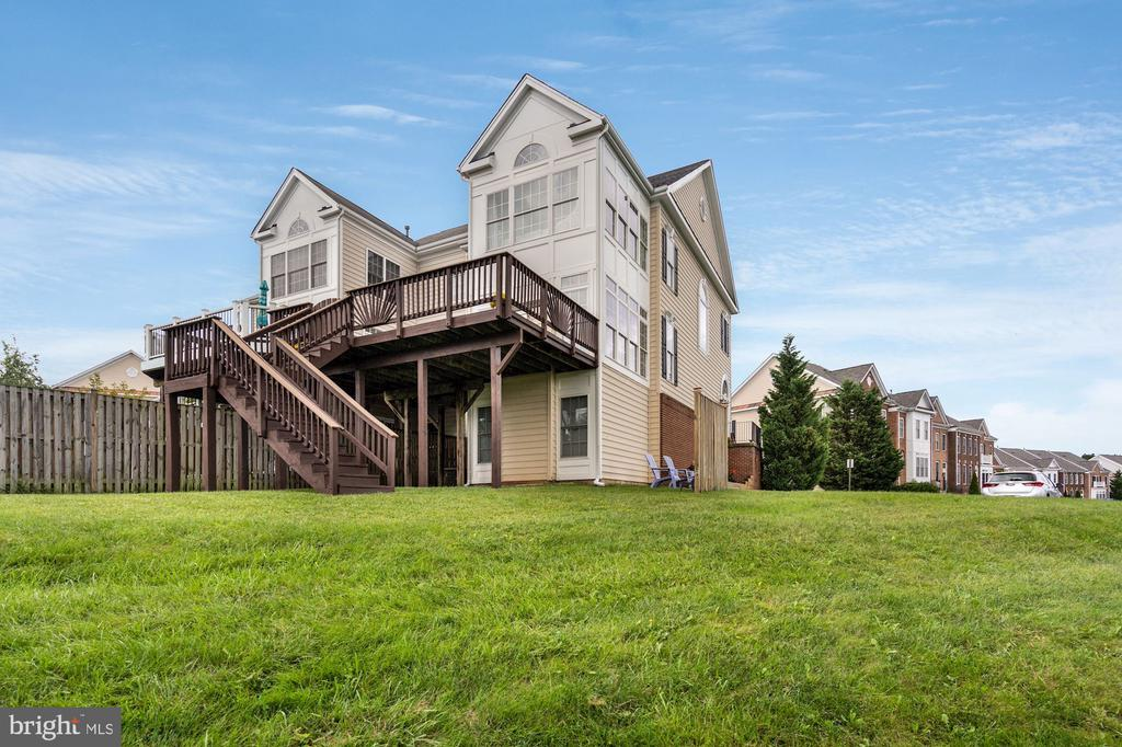 Large Deck - 18504 PINEVIEW SQ, LEESBURG