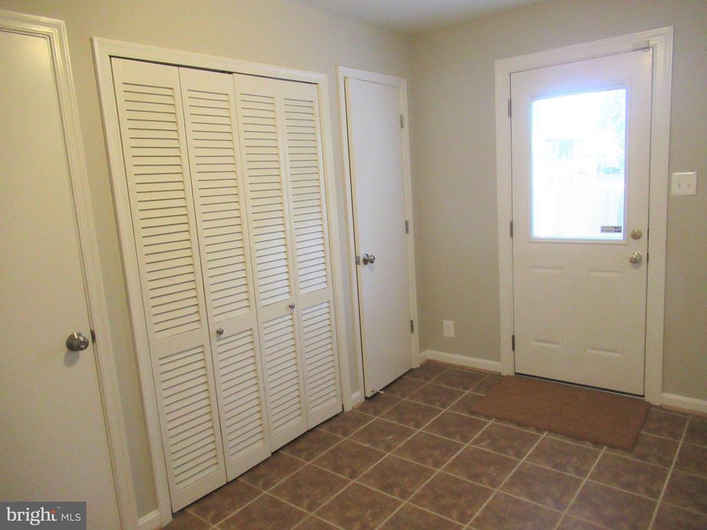 Closets for 4th Bedroom - 20 S ABINGDON ST, ARLINGTON