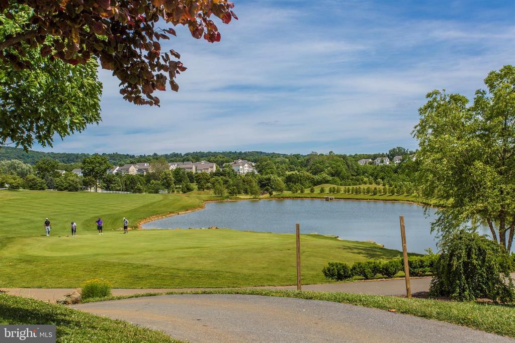 Golf Course - 406 GLENBROOK DR, MIDDLETOWN