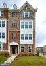 - 25570 TOLAR SQ, CHANTILLY
