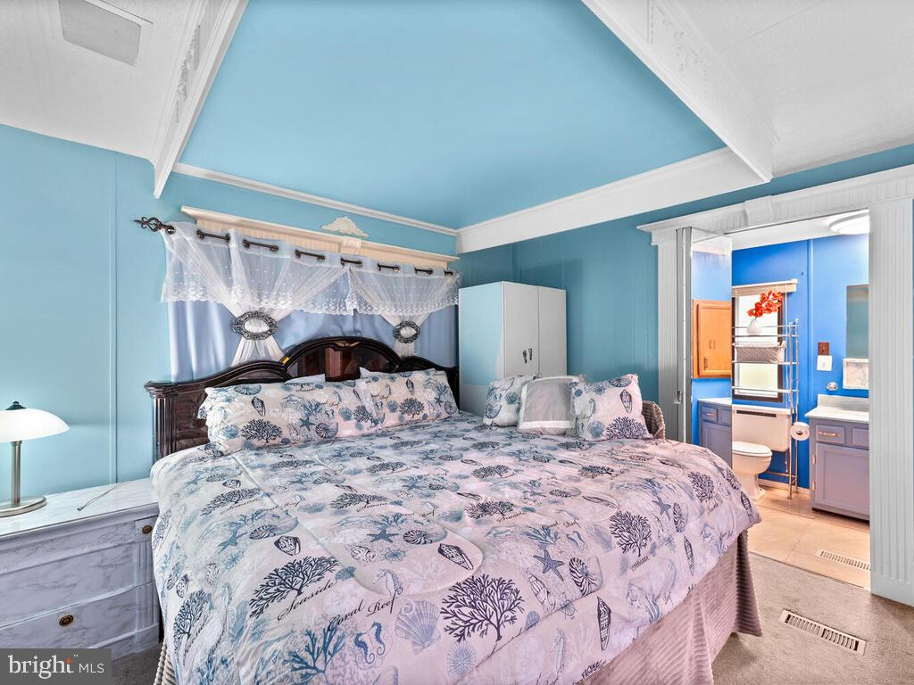 Owner's Bedroom - 7805 W HILL RD, MOUNT AIRY