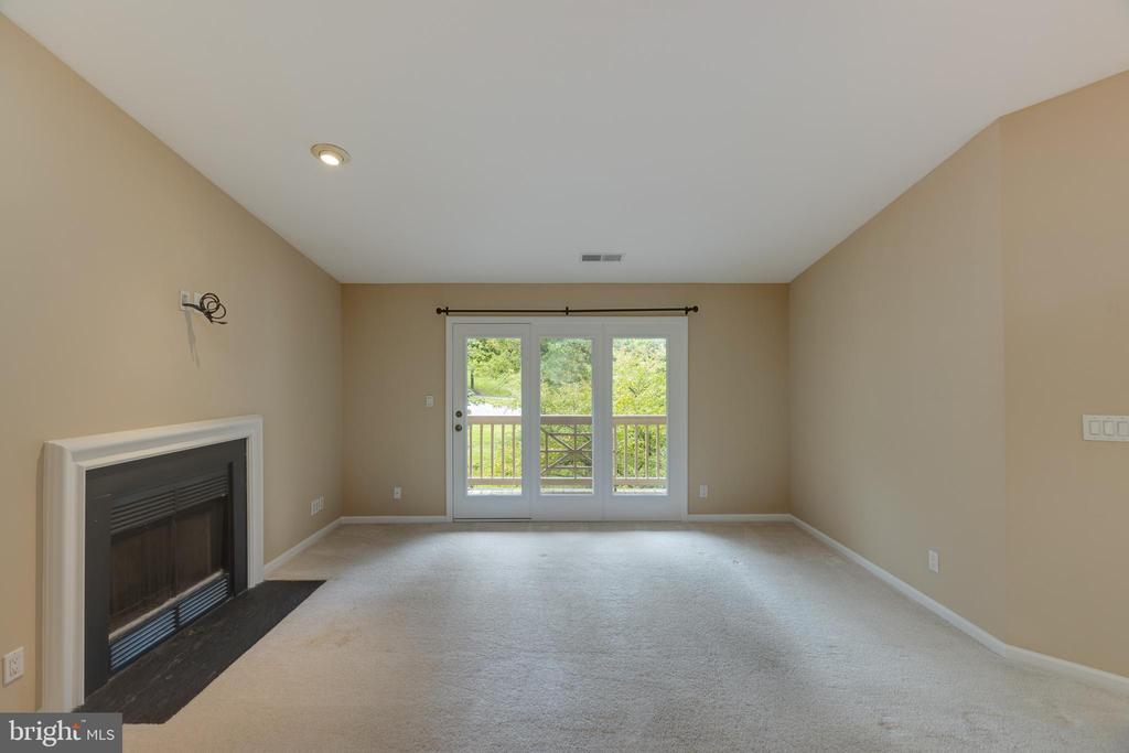 Living room - 7502 ASHBY LN #K, ALEXANDRIA
